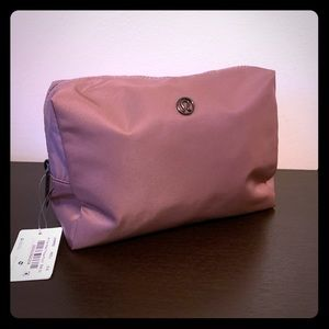 Lululemon travel pouch